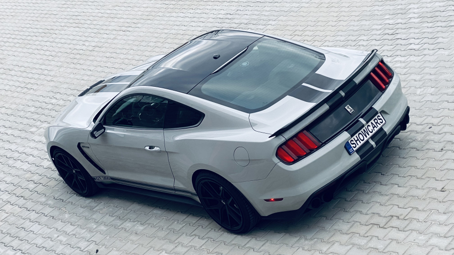 Ford-Mustang-GT350-SHELBY-12